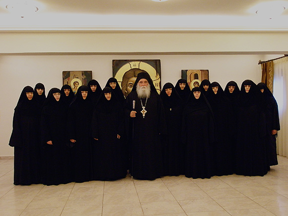 Οι αδελφές της Μονής και ο Γέροντας Νεκτάριος
